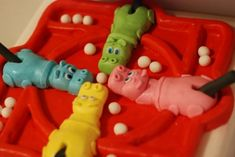 Hungry Hippos cake and 10 other amazing cakes based on video games!