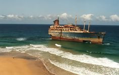 El American Star, gran buque de lujo que encalló en la Playa de Garcey, #Fuerteventura
