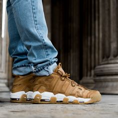 Nike Air More Uptempo '96 in a Flax colorway. Just perfect for fall season 2017. Releases on KICKZ.com on October 14th.