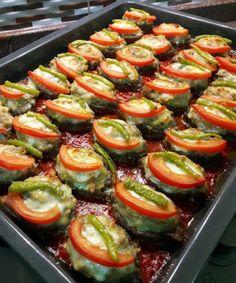 Turkish Recipes, Ethnic Recipes, Kebab Recipes, Romanian Food, Mince Meat, Slice Of Bread, Iftar, Beautiful Cakes, Sushi