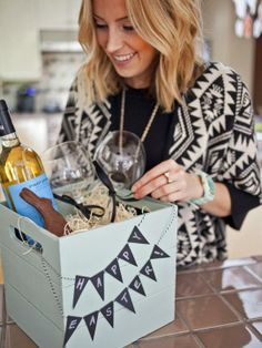 A #diy adult Easter box of wine and chocolates makes a great gift for friends & neighbors.