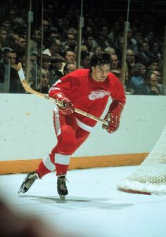 Marcel Dionne with the Red Wings. Hockey Games, Ice Hockey, Lanny Mcdonald, Marcel Dionne, Hockey Highlights, Bobby Hull, Hockey Hall Of Fame, Red Wings Hockey, Detroit Sports