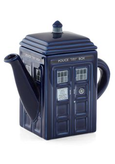 Tardis Teapot, oh yes this one is definitely going on my X-mas list! Tea and Doctor Who, the perfect combo.