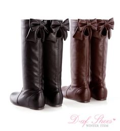 boots with bows? LOVE!