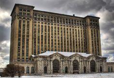 Lugares abandonados - Antiga Estação Central Michigan em Detroit, EUA. Inaugurada em 1913 e fechada em 1988.