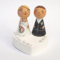 Es ist eine personalisiert Tortenaufsatz auf Hochzeitstorte auf Bestellung hergestellt.  Die auf den Bildern gezeigt, Tortenaufsatzfiguren dienen nur als Personalisierung Beispiel. Auf Wunsch...