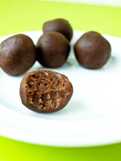 Chocolate Peanut Butter Energy Balls.  Such a great healthy snack recipe! Easy…