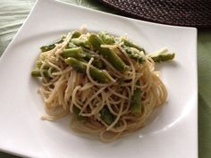Fit Foodie:  A little all over the place! - Skinnytaste Pasta with asparagus http://wp.me/p2UQlt-1tD #fitfoodie #recipes #cooking #baking #menu #menuplanning #dessert