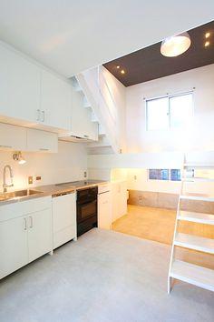 立体ワンルームのスキップフロアと床暖房がつくり出す省エネ空間