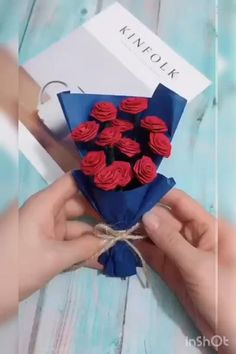 How to make a bunch of roses with paper paper crafts crafts for kids crafts diy paper craft paper crafts paper crafts paper crafts crafts for adults crafts origami paper crafts paper crafts paper crafts paper crafts flowers videos Paper Craft Flower Cool Paper Crafts, Paper Flowers Craft, Paper Crafts Origami, Origami Art, Flower Crafts, Diy Paper, Paper Art, Flower Diy, Origami Flowers