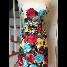 🌻MAKE OFFER🌻🌸5/27 HP🌸 LOFT Floral Dress Strapless dress in excellent condition with no signs of wear. Multi-colored, fully lined dress made of (shell) 100% cotton; (lining) 100% acetate. Dry clean only. LOFT Dresses Strapless