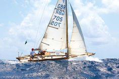 Crossing the Atlantic ocean solo in an Folkboat