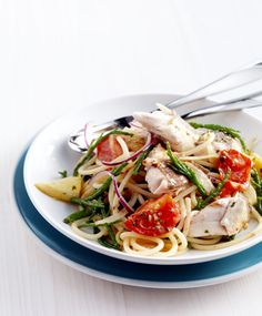 pasta with braised red mullet & samphire Red Mullet, Fish And Seafood, Food For Thought, Ecommerce, Risotto, Spaghetti, Good Food, Cooking Recipes, Ethnic Recipes