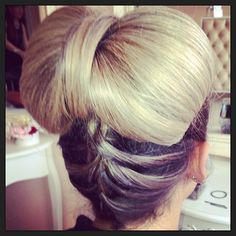 hair bow - new take on the updo - blonde - party hair - braid bun - nye - La Durbin