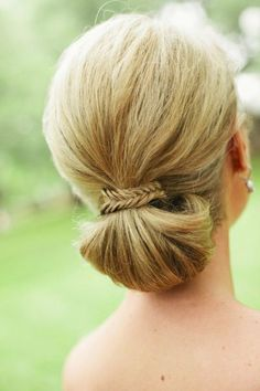 Wild Onion Ranch Wedding from SMS Photography Vintage Hairstyles, Down Hairstyles, Girl Hairstyles, Braided Hairstyles, Wedding Hairstyles, Wedding Hair And Makeup, Hair Makeup, Cool Hair Color, Love Hair