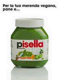La Nutella per i vegetariani: la pisella! Really Funny, A Funny, Hilarious, Funny Stuff, Funny Photos, Funny Images, Wallpaper Iphone Cute, Creative Advertising, Love Words