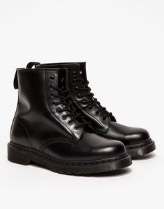 1460 8-Eye Boot In Black Mono