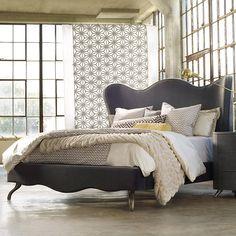 looooooove that bed!