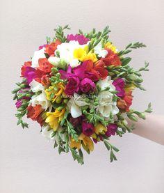 Brave Events - Buchete de mireasa|Buchete nasa |Buchete 2012 Nasa, Floral Wreath, Alice, Wreaths, Decor, Floral Crown, Decoration, Door Wreaths, Deco Mesh Wreaths