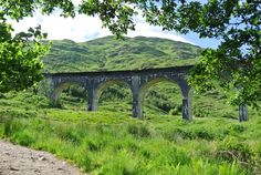 Glenfinnan, Schotland | The It's Travel O'Clock GREAT Britain Travel Bucket List