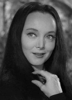 Turner Classic Movies, Classic Films, The Addams Family Cast, Familia Addams, Perfect Brunette, Carolyn Jones, Morticia Addams, The Munsters, Lady Fingers
