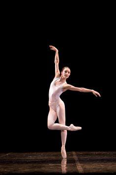 Ballet+Dancer   ballet dancer stands on pointe