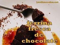 Terrina fácil ¡de puro chocolate! Y acompañada de una deliciosa salsa de mermelada