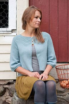 Ravelry: Brock pattern by Gudrun Johnston  This is cute- interesting to knit and versatile.
