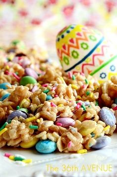 Festive Rice Crispy Treats #Recipe #Easter the36thavenue.com