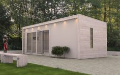 Attefallshus med putsad fasad och vitlaserad träpanel - Skapad av Cristofer Stjernqvist / Svenska byggruppen Sauna House, Tiny House Cabin, Patio, Backyard, Summer Cabins, Building A Container Home, Small Cottages, Garden Office, Small Places