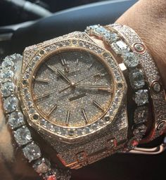 In some cases part of that image is the quantity of money you invested to use a watch with a name like Rolex on it; it is no secret how much watches like that can cost. Elegant Watches, Beautiful Watches, Audemars Piguet, Cool Watches, Watches For Men, Swiss Army Watches, Expensive Watches, Seiko Watches, Watch Brands