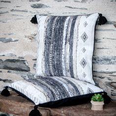On craque pour les coussins de Mylène Mi-ficelle! | Décoration #ethnique | GrisGroseille.com