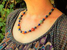 """Collier ethnique """"Joy"""" Lapis lazuli et perles ceramique des couleurs eclatant Lapis Lazuli, Beaded Necklace, Bracelet, Jewelry, Necklaces, Handmade Ceramic, Lobster Clasp, Stones, Boucle D'oreille"""