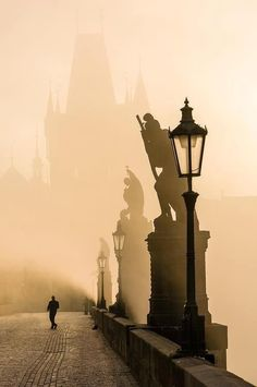 Whomever made this image must've been there at 4am to catch the famous Charles Bridge deserted like this. Impressive! #Prague