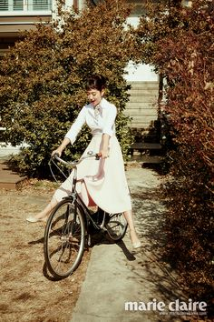 Park Shin Hye pays tribute to Audrey Hepburn in March's Marie Claire