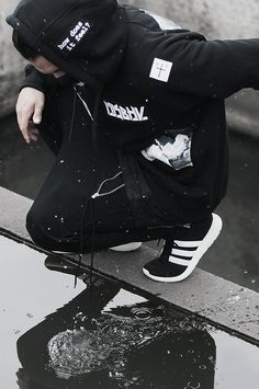 Street fashion [black]