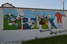 Peinture murale à l'entrée de Bidart