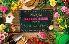 Super mooie Verjaardagskaart met tuinterras en werkmateriaal voor mensen met groene vingers. Card Stock