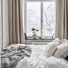 Rindögatan 17 now for sale  Styling @stylingbolaget  Via @notar_norradjurgardsstaden  #dreamhome #bedroom #bedroominspo #sovrumsinspo #sovrumsinspiration #linné #linenbedding #white #interiordesign #interior #inredning #inredningsinspiration #inredningsdetaljer #inredningsinspo #homestyling #homedecoration #stylingbolaget