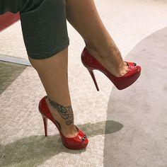 ToeCleavage Tattoo Heels #hothighheelsstilettos