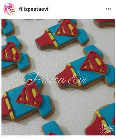 Süperman temalı kurabiye