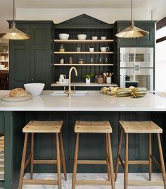 cuisine-verte-sombre-placards-îlot-vert-foncé