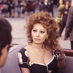 "Sophia Loren in ""Marriage Italian Style"", 1964 Golden Age Of Hollywood, Vintage Hollywood, Hollywood Glamour, Hollywood Stars, Italian Beauty, Italian Style, Loren Sofia, Sophia Loren Images, She's A Lady"
