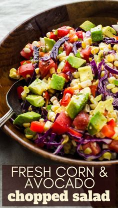 A no-cook summer favorite, fresh corn and avocado salad is an easy main course or side dish! Stuffed Bell Peppers Chicken, Sweet Bell Peppers, Stuffed Pepper Soup, Salad Recipes, Healthy Recipes, Healthy Meals, Vegetarian Recipes, Healthy Food, Healthy Eating