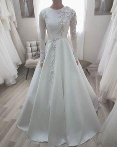 103 gorgeous modest wedding dresses page 9 Muslimah Wedding Dress, Muslim Wedding Dresses, Western Wedding Dresses, Dream Wedding Dresses, Bridal Dresses, Dress Muslimah, Wedding Hijab Styles, Prom Dresses, Hijab Evening Dress