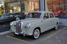 Mercedes Benz 180 aus den 50er Jahren. Die Aufnahme stammt vom 07.05.2015.