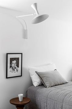 C: Darlinghurst Terrace by Tom Mark Henry T.C: Darlinghurst Terrace by Tom Mark Henry Home Interior, Interior Design, Interior Ideas, Interior Architecture, Mark Henry, Industrial Wall Art, Minimal Bedroom, Built In Bench, Elegant Dining