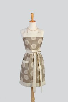 Full Bib Womens Apron / Vintage Style Womans by CreativeChics, $40.00