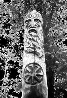 Vikings, Odin And Thor, Pagan Gods, Pagan Art, Illustrations And Posters, Gods And Goddesses, Religious Art, Celtic, Carving