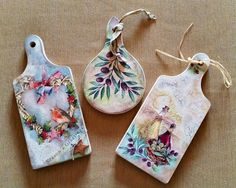decoupage on a mini chopping board Chopping Boards, Diy Art, Decoupage, Kitty, Craft Ideas, Drop Earrings, Crafty, Mini, Painting